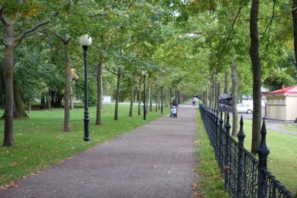 ひろびろかつ素敵な公園。なぜか日本庭園もあるらしい