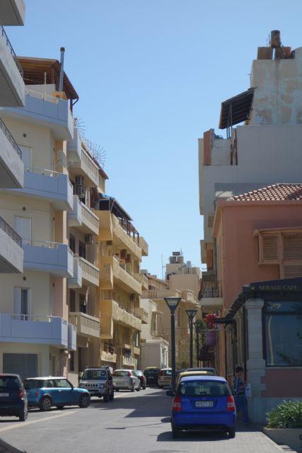 ヨーロッパってだいたい街中は5階建てくらいですね。建物。