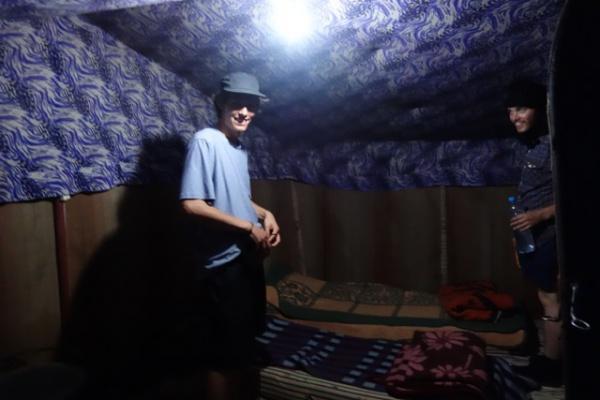 泊まったテントはいたって快適