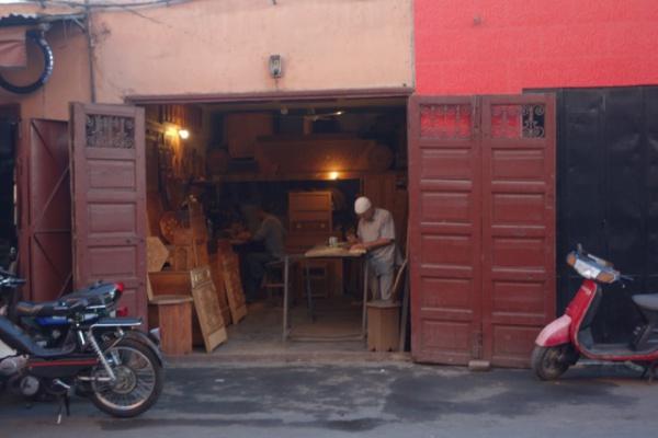 マラケシュの旧市街は、ヨーロパのそれと違って観光向けだけではない、普通の生活がまだ残ってました