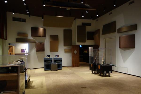 スタジオ内部 けっこう広い