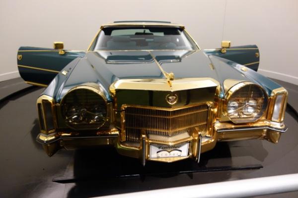 展示されてたアイザック・ヘイズの車。「全部のせ感」満点