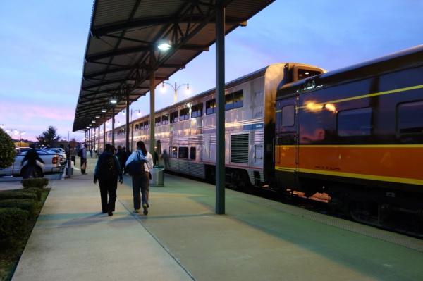 早朝メンフィスのアムトラック 今回乗るのはシカゴからニューオリンズまでアメリカを縦断する路線です