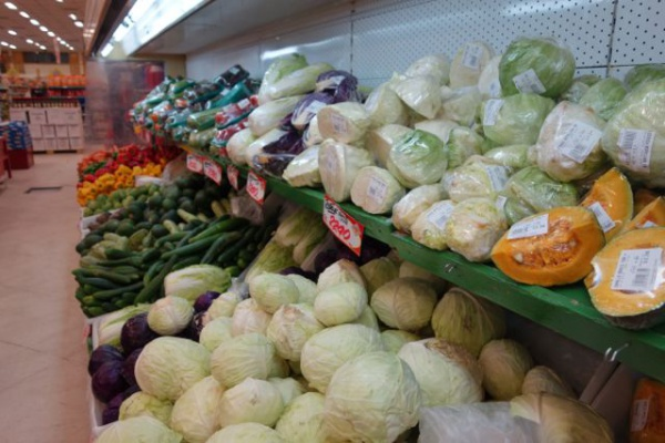 パラグアイでは昔野菜がほとんどなかったらしい。その後日本からの移民が持ち込んだ野菜が広まり、いまではこのような感じ。確かに日本の野菜そっくり