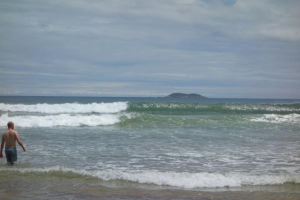 波はこの時期メロー&スロー。