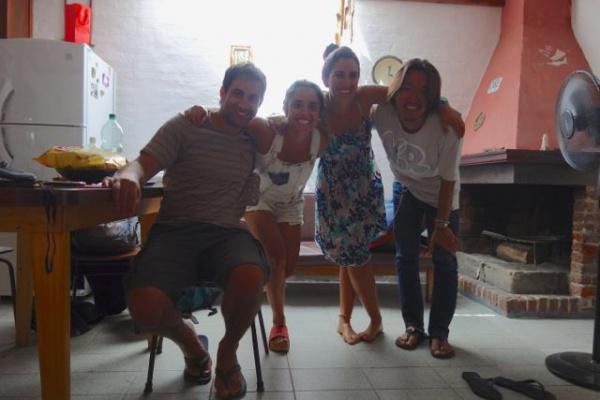 左からアレホ ナタリア(ビルヒーニャの友達) ビルヒーニャ