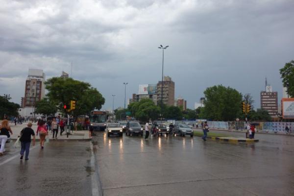 モンテビデオのターミナルをちょっと出てみた。首都っぽい。