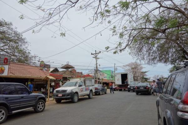 お店それぞれがキレイで一見やたら栄えて見えるけど実際はかなりこぢんまりなタマリンドの町