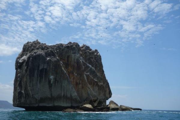 これがポイントの名前の由来になった岩。